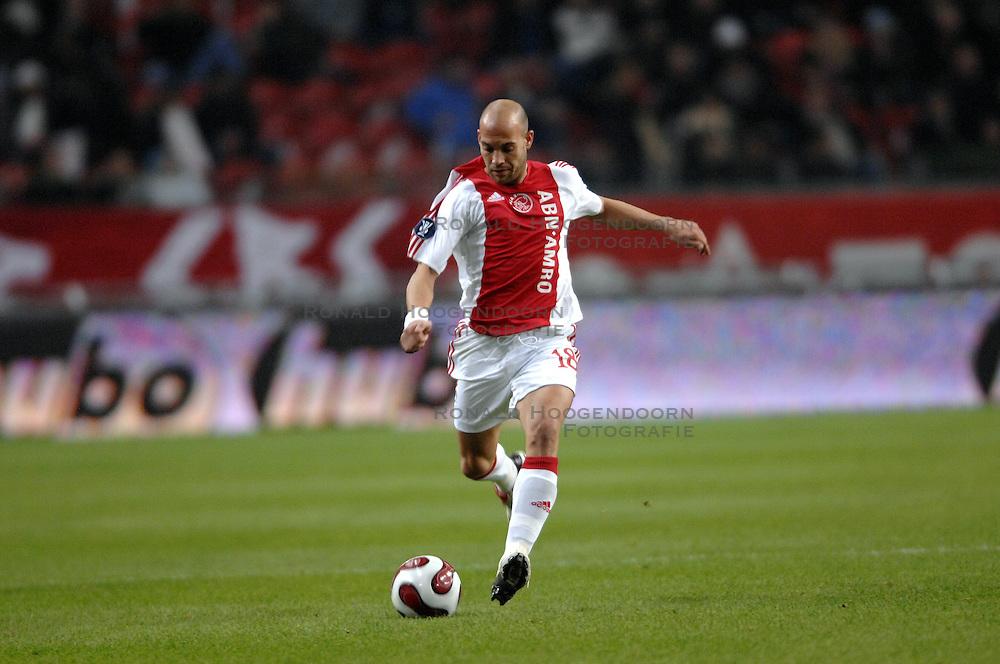 30-11-2006 VOETBAL: AJAX - ESPANYOL: AMSTERDAM<br /> Ajax verliest kansloos van Espanyol met 0-2 / Gabri<br /> &copy;2006-WWW.FOTOHOOGENDOORN.NL