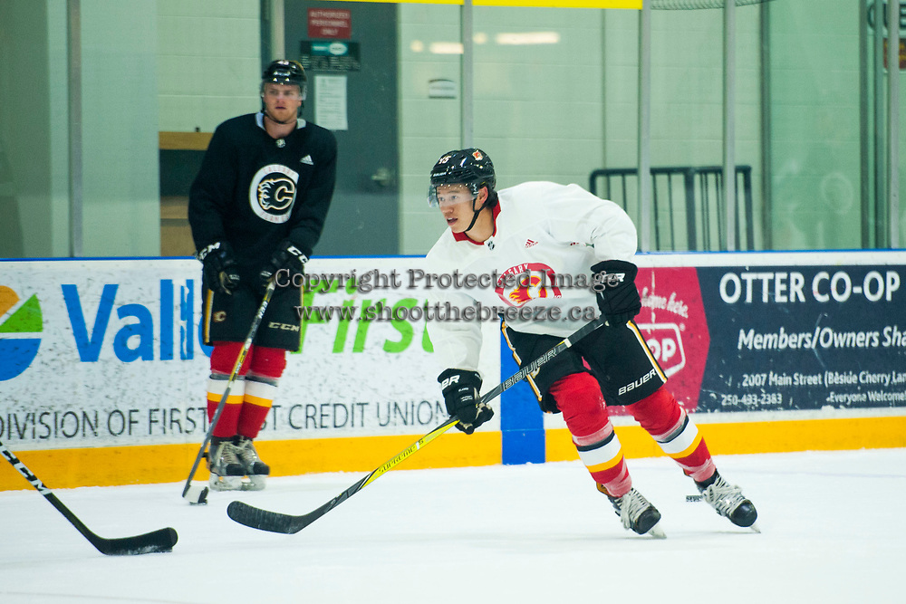 PENTICTON, CANADA - SEPTEMBER 8: Spencer Foo #15 of the Calgary Flames warms up during morning skate at the Vancouver Canucks Young Stars Classic on September 8, 2017 at the South Okanagan Event Centre in Penticton, British Columbia, Canada.  (Photo by Marissa Baecker/Shoot the Breeze)  *** Local Caption ***