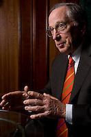 """2008, BERLIN/GERMANY:<br /> Samuel Augustus """"Sam"""" Nunn, US-amerikanischer Geschäftsmann und Politiker der Demokraten, ehem. Senator im US-Senat, waehrend einem Interview, Hotel Adlon<br /> IMAGE: 20080612-01-004"""