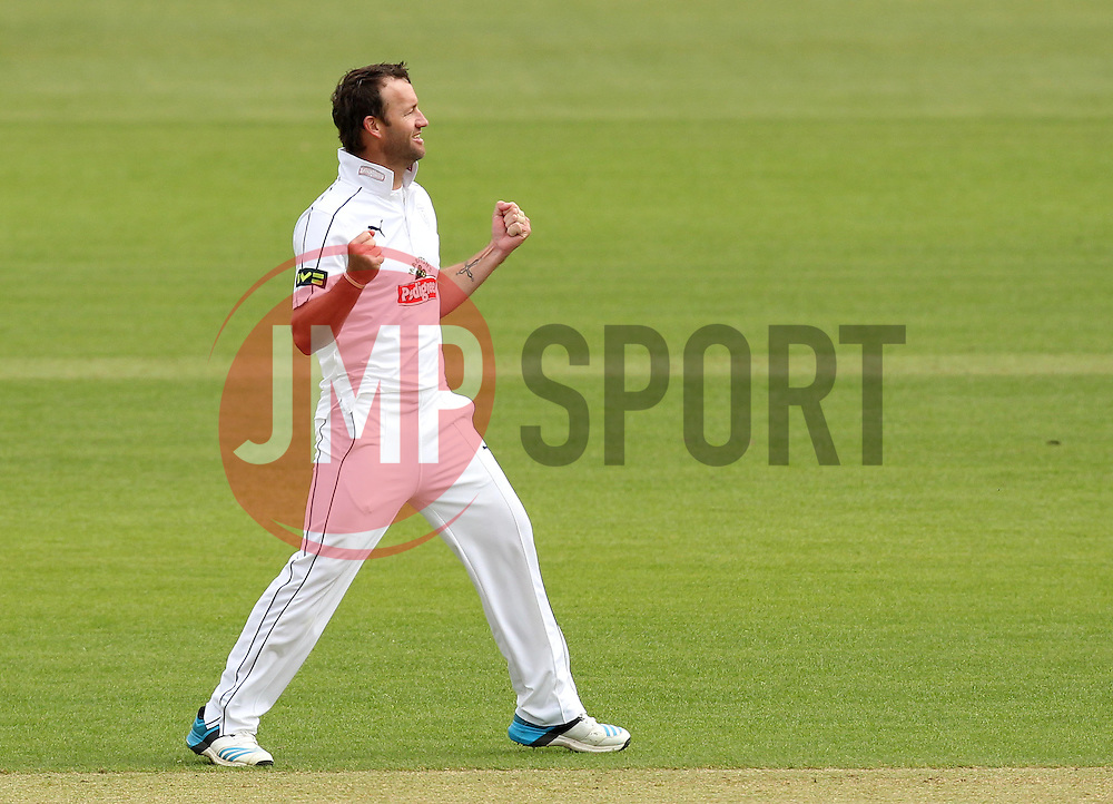 Hampshire's Sean Ervine celebrates taking his 200th career wicket. Nottinghamshire's Steven Mullaney the man out. - Photo mandatory by-line: Robbie Stephenson/JMP - Mobile: 07966 386802 - 26/04/2015 - SPORT - Cricket - Southampton - The Ageas Bowl - Hampshire v Nottinghamshire - County Championship Division One
