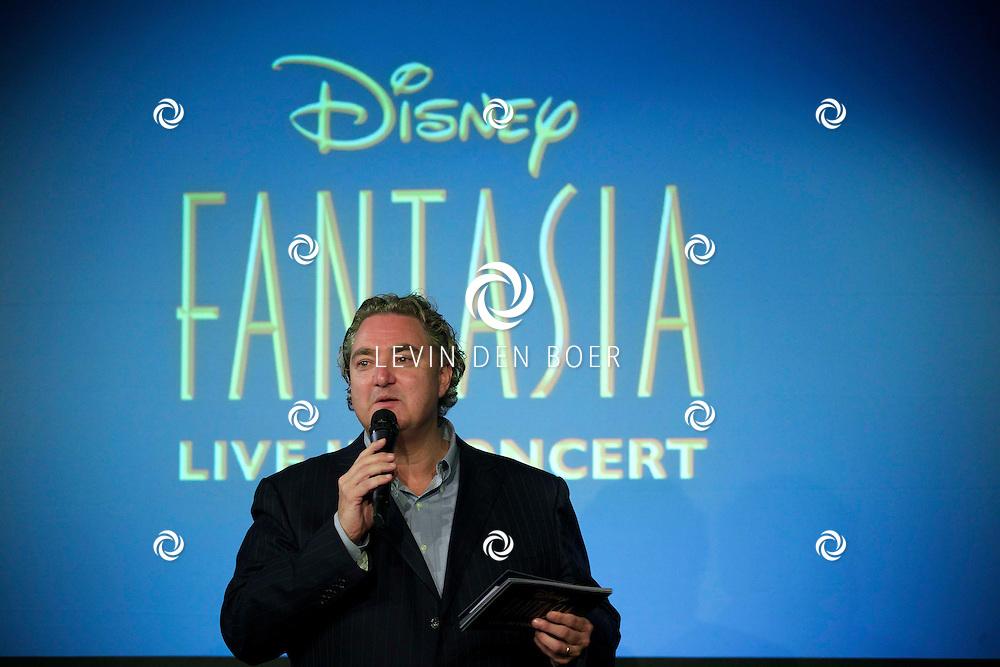 AMSTERDAM ZIGGO DOME - Op tweede kerstdag presenteert Disney in samenwerking met het Metropole orkest 'Fantasia Live in Concert'. Met hier op de foto Erwin van Lambaart. FOTO LEVIN DEN BOER - PERSFOTO.NU