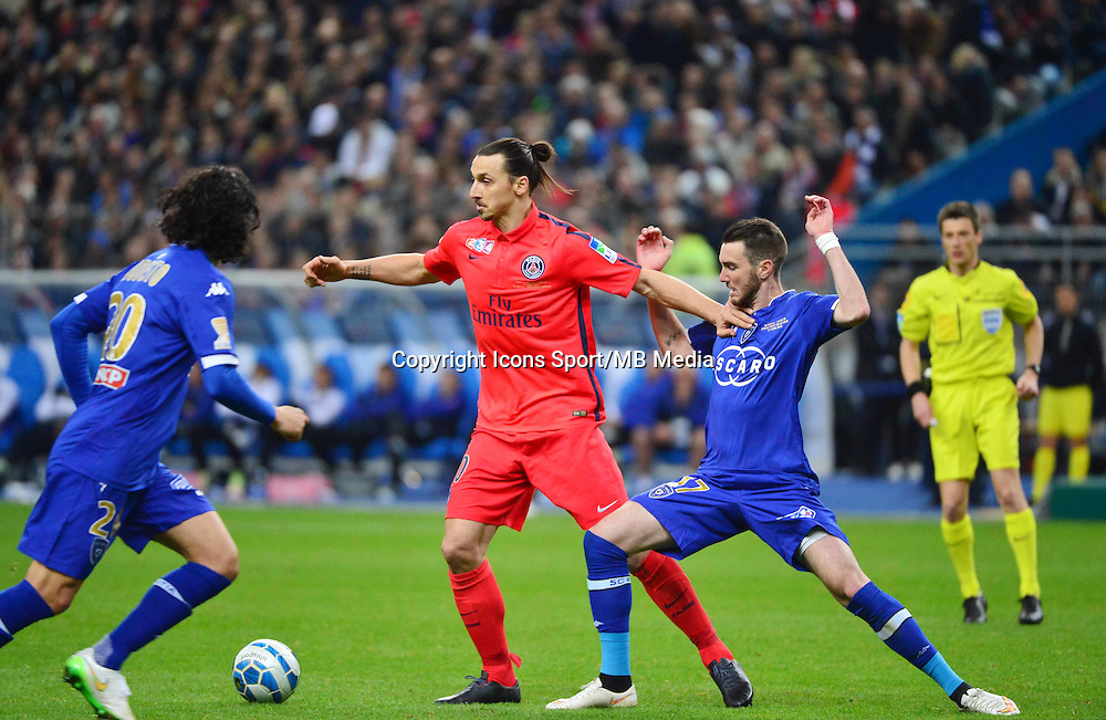 Zlatan IBRAHIMOVIC / Mathieu PEYBERNES    - 11.04.2015 -  Bastia / PSG - Finale de la Coupe de la Ligue 2015<br />
