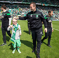 08/05/16 LADBROKES PREMIERSHIP <br /> CELTIC v ABERDEEN <br /> CELTIC PARK - GLASGOW <br /> Celtic manager Ronny Deila (right) with Jay Beatty<br /> ** ROTA IMAGE **