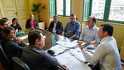 Porto Alegre, RS 23/04/2019: O prefeito Nelson Marchezan Júnior recebe na tarde desta terça-feira (23), em seu Gabinete, no Paço Municipal, os integrantes da nova diretoria do Dmae e Serviços Urbanos. Foto: Jefferson Bernardes/PMPA
