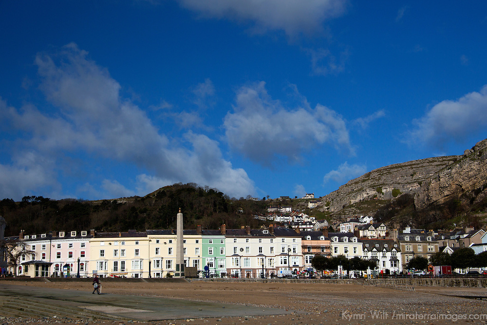 Europe, United Kingdom, Wales, Llandudno. Llandudno Beach and town.