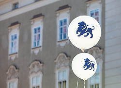 21.04.2018, Kapitelplatz, Salzburg, AUT, Landtagswahl in Salzburg 2018, Wahlkampf der Parteien // Election campaign of the parties. Kapitelplatz, Salzburg, Austria on 2018/04/21. EXPA Pictures © 2018, PhotoCredit: EXPA/ Stefanie Oberhauser