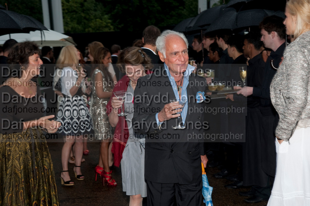 JOHN STEFANIDES, The Summer party 2011 co-hosted by Burberry. The Summer pavilion designed by Peter Zumthor. Serpentine Gallery. Kensington Gardens. London. 28 June 2011. <br /> <br />  , -DO NOT ARCHIVE-© Copyright Photograph by Dafydd Jones. 248 Clapham Rd. London SW9 0PZ. Tel 0207 820 0771. www.dafjones.com.