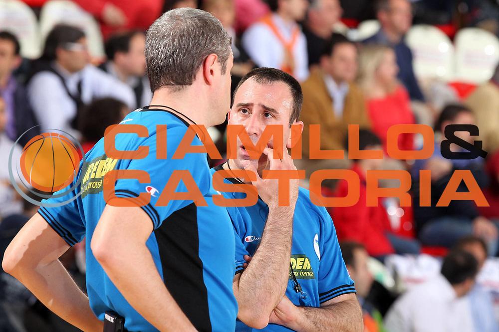 DESCRIZIONE : Teramo Lega A 2009-10 Bancatercas Teramo Benetton Treviso<br /> GIOCATORE : Luigi Lamonica Carmelo Lo Guzzo<br /> SQUADRA : AIAP<br /> EVENTO : Campionato Lega A 2009-2010 <br /> GARA : Bancatercas Teramo Benetton Treviso<br /> DATA : 08/05/2010<br /> CATEGORIA : arbitro referees<br /> SPORT : Pallacanestro <br /> AUTORE : Agenzia Ciamillo-Castoria/ElioCastoria<br /> Galleria : Lega Basket A 2009-2010 <br /> Fotonotizia : Teramo Lega A 2009-10 Bancatercas Teramo Benetton Treviso<br /> Predefinita :