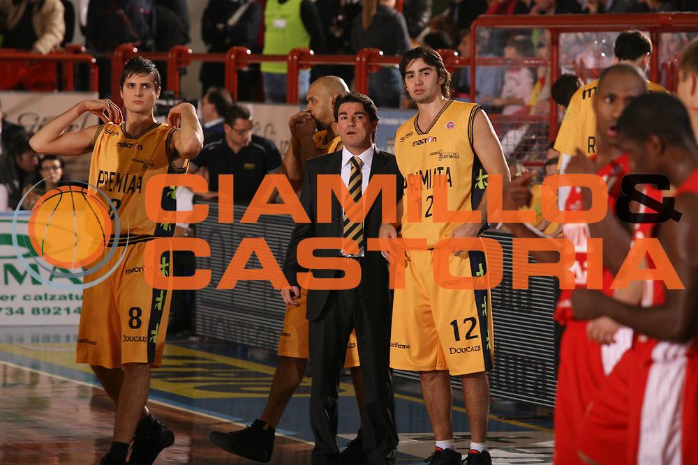 DESCRIZIONE : Porto San Giorgio Lega A1 2007-08 Premiata Montegranaro Scavolini Spar Pesaro <br /> GIOCATORE : Alessandro Finelli Demian Filloy <br /> SQUADRA : Premiata Montegranaro <br /> EVENTO : Campionato Lega A1 2007-2008 <br /> GARA : Premiata Montegranaro Scavolini Spar Pesaro <br /> DATA : 21/10/2007 <br /> CATEGORIA : Ritratto <br /> SPORT : Pallacanestro <br /> AUTORE : Agenzia Ciamillo-Castoria/G.Ciamillo
