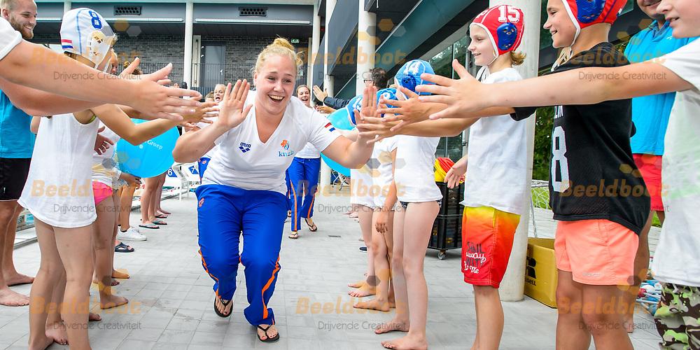 05-07-2017: Waterpolo: Meet and Greet: Utrecht<br /> <br /> In voorbereiding op het WK waterpolo in Boedapest nemen de waterpolodames deel aan een Meet and Greet verzorgt door KNZB en sponsor SWK<br /> <br /> Foto: Gertjan Kooij