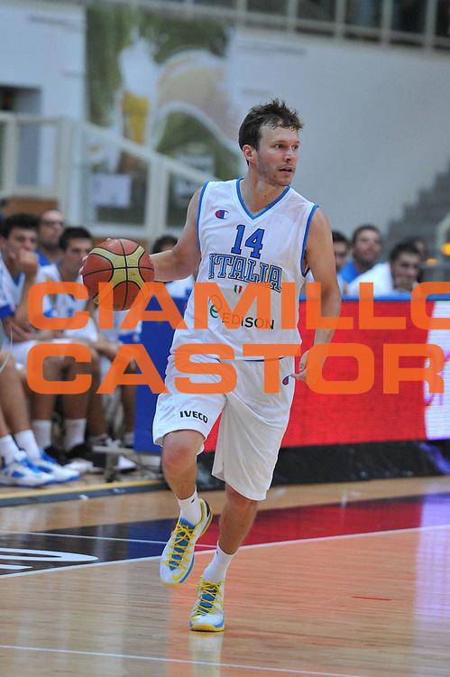 DESCRIZIONE : Trento Trentino Basket Cup Italia Georgia<br /> GIOCATORE : travis diener<br /> CATEGORIA : palleggio<br /> SQUADRA : Nazionale Italia Maschile<br /> EVENTO :  Trento Trentino Basket Cup<br /> GARA : Italia Georgia<br /> DATA : 07/08/2013<br /> SPORT : Pallacanestro<br /> AUTORE : Agenzia Ciamillo-Castoria/M.Gregolin<br /> Galleria : FIP Nazionali 2013<br /> Fotonotizia : Trento Trentino Basket Cup Italia Georgia<br /> Predefinita :