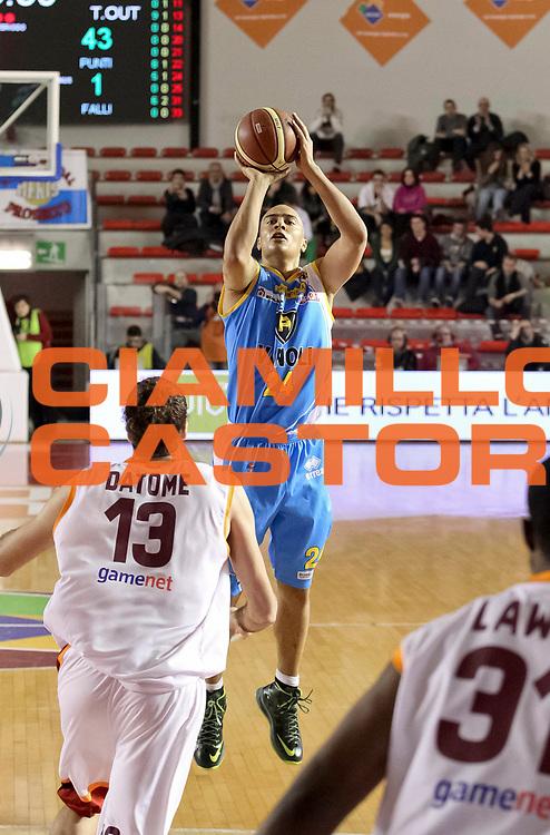 DESCRIZIONE : Roma Lega A 2012-13 Acea Virtus Roma Vanoli Cremona<br /> GIOCATORE : Shawn Huff<br /> CATEGORIA : three poins<br /> SQUADRA : Vanoli Cremona<br /> EVENTO : Campionato Lega A 2012-2013 <br /> GARA : Acea Virtus Roma Vanoli Cremona<br /> DATA : 03/03/2013<br /> SPORT : Pallacanestro <br /> AUTORE : Agenzia Ciamillo-Castoria/N. Dalla Mura<br /> Galleria : Lega Basket A 2012-2013<br /> Fotonotizia : Roma Lega A 2012-13 Acea Virtus Roma Vanoli Cremona
