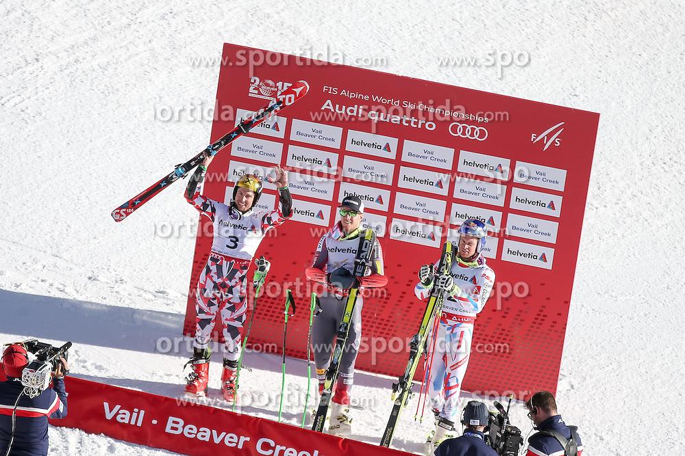 13.02.2015, Birds of Prey Beaver Creek, Beaver Creek, USA, FIS Weltmeisterschaften Ski Alpin, Vail Beaver Creek 2015, Herren, Riesenslalom, Siegerpräsentation, im Bild v.l.: Marcel Hirscher (AUT, 2. Platz), Ted Ligety (USA, 1. Platz), Alexis Pinturault (FRA, 3. Platz) // f.l.: 2nd placed Marcel Hirscher of Austria Winner Ted Ligety of the USA and 3rd placed Alexis Pinturault of France during the award winner presentation after men's Giant Slalom of FIS Ski World Championships 2015 at the Birds of Prey Beaver Creek in Beaver Creek, United States on 2015/02/13. EXPA Pictures © 2015, PhotoCredit: EXPA/ Johann Groder