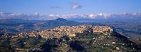 Caltascibetta. Sicily. Italy. // Italie. Sicile. Caltascibetta.