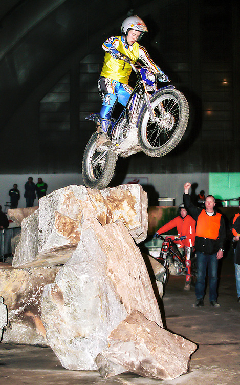 Indoor trial, Bj&oslash;lsen, Oslo 2003.<br /> Ola Andre Svendsen