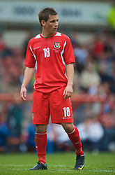 WREXHAM, WALES - Saturday, October 10, 2009: Wales' Elliot Chamberlain during the UEFA Under-21 Championship Qualifying Round Group 3 match against Bosnia-Herzegovina at the Racecourse Ground. (Pic by Chris Brunskill/Propaganda)