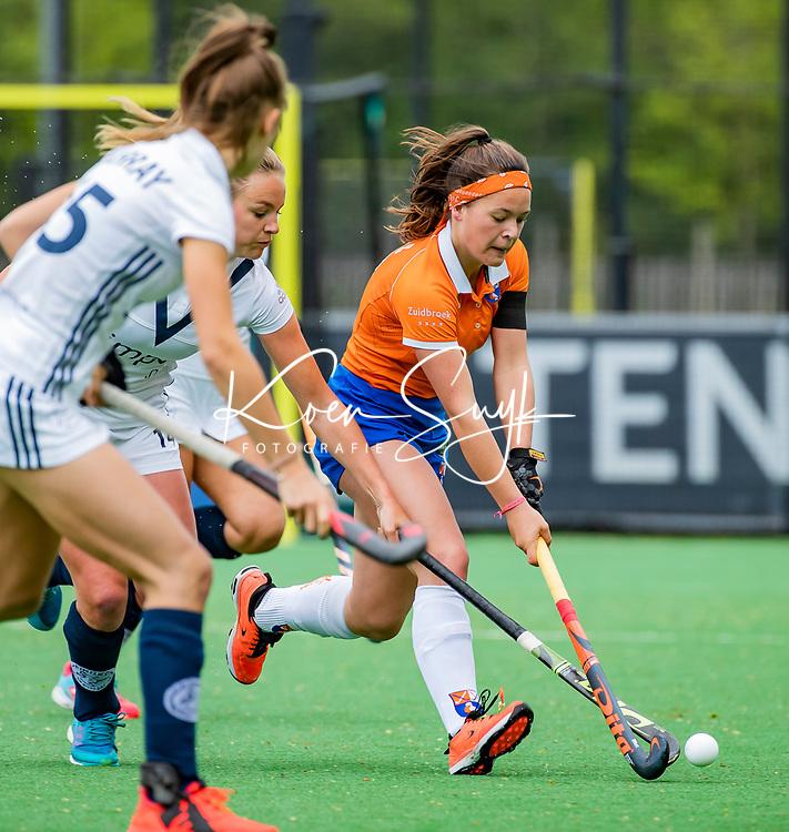 BLOEMENDAAL -   Sanne Caarls (Bldaal)   , Libera hoofdklasse hockey Bloemendaal-Pinoke (0-0). COPYRIGHT KOEN SUYK