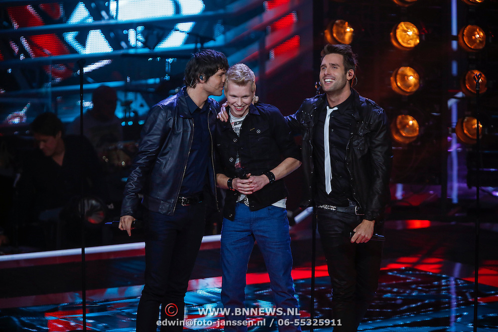 NLD/Hilversum/20121214 - Finale The Voice of Holland 2012, optreden Johannes Rypma met Nick & Simon