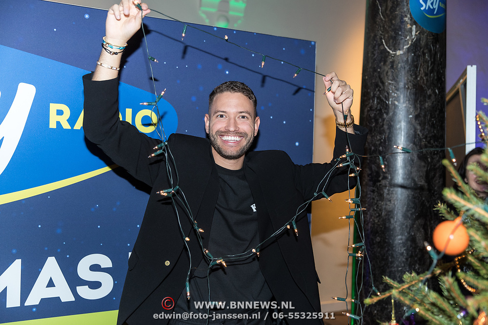 NLD/Amsterdam/20191206 - Sky Radio's Christmas Tree For Charity 2019, Rolf Sanchez