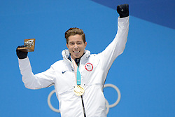 February 14, 2018 - Pyeongchang, South Korea - SHAUN WHITE of the United States celebrates getting the gold medal in the Men's Halfpipe snowboard event in the PyeongChang Olympic games. (Credit Image: © Christopher Levy via ZUMA Wire)