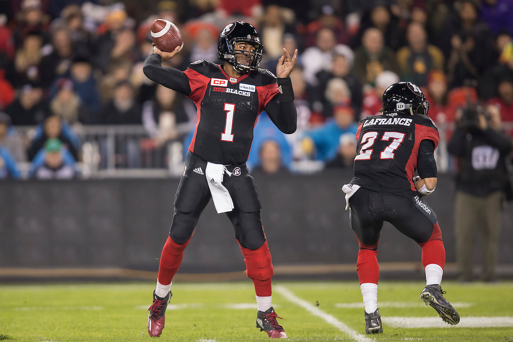Ottawa Redblacks quarterback Henry Burris throws the ball during the first quarter of the 104th Grey Cup Final game against the Calgary Stampeders in Toronto Ontario, Sunday,  November 27, 2016.  (CFL PHOTO - Geoff Robins)