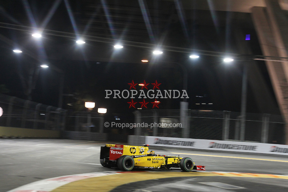 Motorsports / Formula 1: World Championship 2010, GP of Singapore, 11 Robert Kubica (POL, Renault F1 Team),