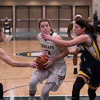 3rd year guard Michaela Kleisinger (2) of the Regina Cougars in action during the Women's Basketball home game on January  19 at Centre for Kinesiology, Health and Sport. Credit: Arthur Ward/Arthur Images