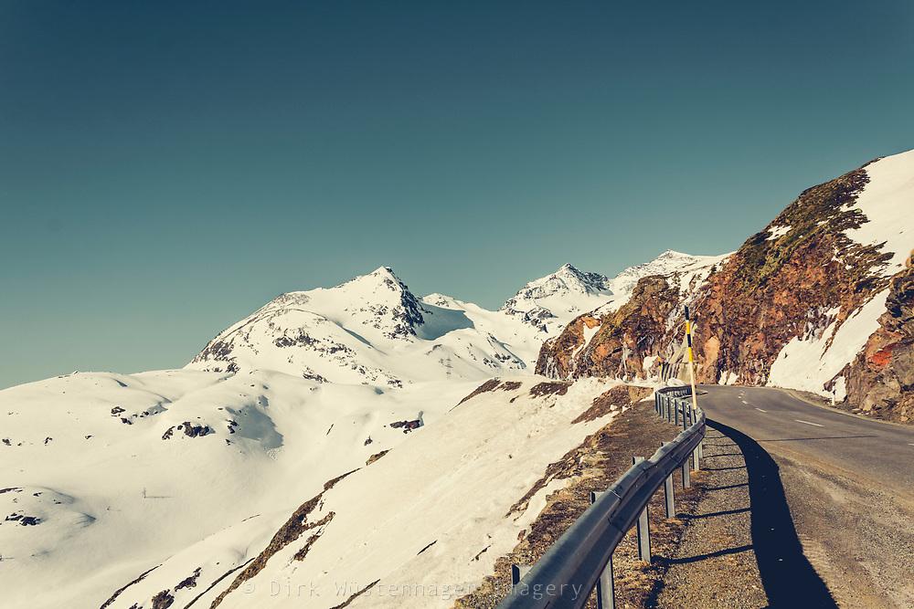Berninapass im Morgenlicht, Poschiavo, Schweiz