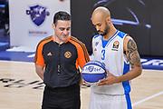 DESCRIZIONE : Eurolega Euroleague 2015/16 Group D Dinamo Banco di Sardegna Sassari - Brose Basket Bamberg<br /> GIOCATORE : David Logan<br /> CATEGORIA : Fair Play Before Pregame<br /> SQUADRA : Dinamo Banco di Sardegna Sassari<br /> EVENTO : Eurolega Euroleague 2015/2016<br /> GARA : Dinamo Banco di Sardegna Sassari - Brose Basket Bamberg<br /> DATA : 13/11/2015<br /> SPORT : Pallacanestro <br /> AUTORE : Agenzia Ciamillo-Castoria/L.Canu