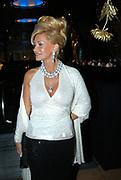 Miljonair Fair 2004 - Ondernemen is topsport<br /> De derde Miljonair Fair 2004, van 10 t/m 12 december in de RAI Amsterdam, was een daverend succes! Vier dagen lang sprankelende luxe op 20.000 vierkante meter RAI.<br /> op de foto Conny Breukhoven