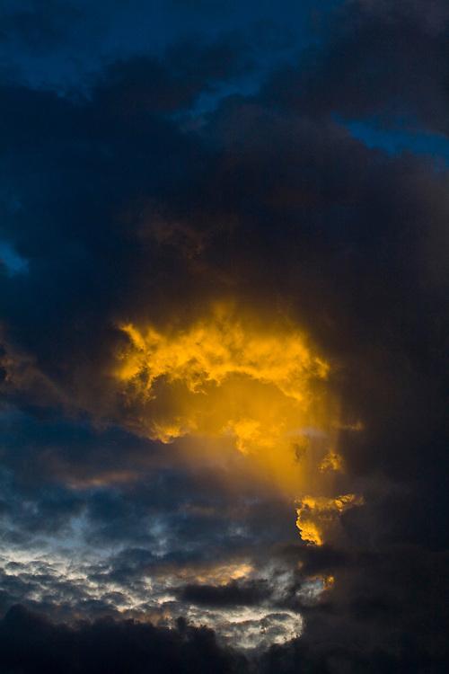 Belo Horizonte_MG, Brasil...Fim de tarde chuvoso em Belo Horizonte...The rainy dusk in Belo Horizonte...Foto: JOAO MARCOS ROSA / NITRO.