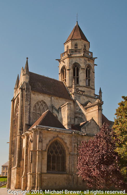 St-Etienne-le-Vieux, ruined cathedral in caen, france