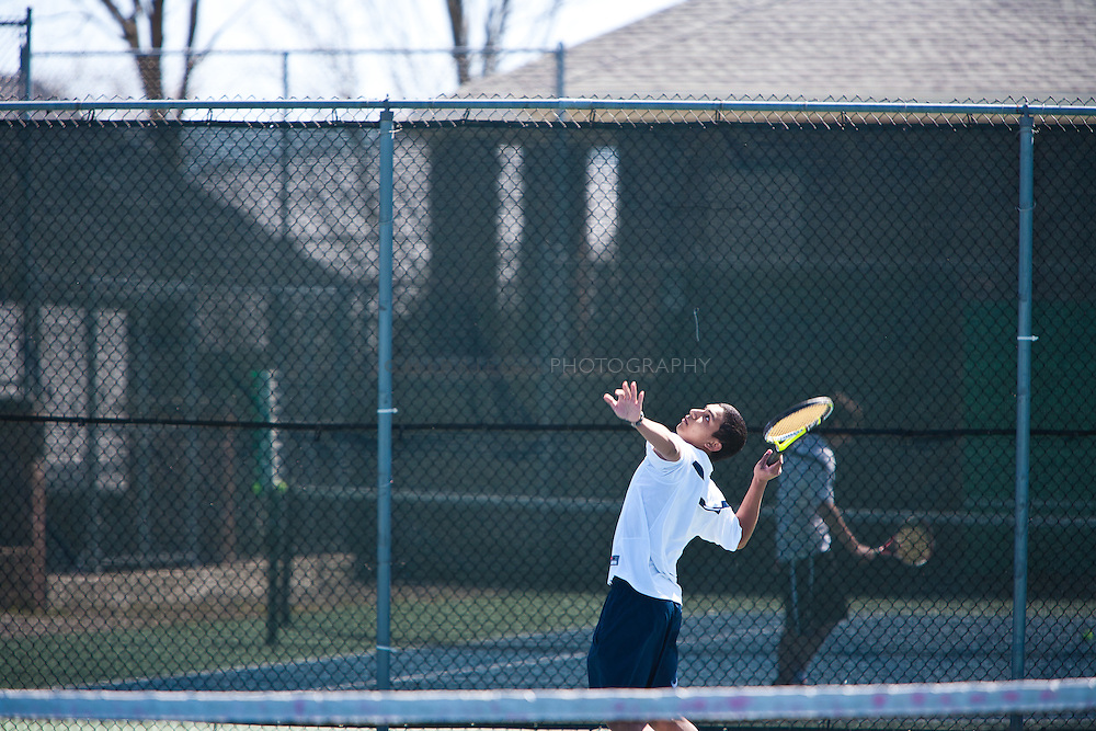 _DCN4859. Providence, RI, USA. ©2009 Chip Riegel / www.chipriegel.com. 04/10/2010. Moses Brown School boys' tennis competing against Portsmouth Abbey School.