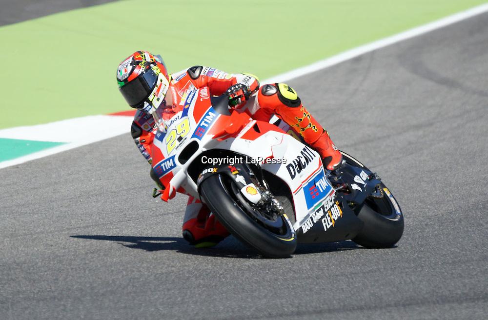 Foto Alessandro La Rocca/LaPresse<br /> 22-05-2016,    GRAN PREMIO D'ITALIA TIM- Autodromo Internazionale del Mugello- 2016<br /> Sport-Motociclismo-MotoGP <br />   GRAN PREMIO D'ITALIA TIM- Autodromo Internazionale del Mugello- 2016<br /> nella foto:Andrea Iannone -Ducati<br /> <br /> Photo Alessandro La Rocca/ LaPresse<br /> 2016 22 May,    GRAN PREMIO D'ITALIA TIM- Autodromo Internazionale del Mugello- 2016<br /> Sport- MotoGP<br />    GRAN PREMIO D'ITALIA TIM- Autodromo Internazionale del Mugello- 2016<br /> in the photo:Andrea Iannone -Ducati