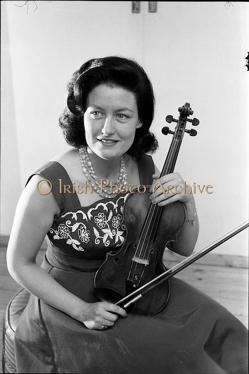 09/07/1962<br /> 07/09/1962<br /> 09 July 1962<br /> Geraldine O'Grady, violinist with R.E. (Radio Eireann) Terenure, Dublin.