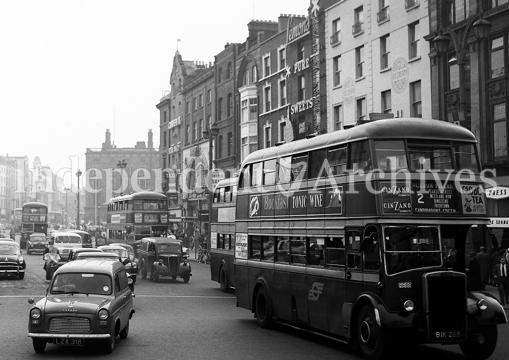 O'Connell Street in Dublin's city centre, in the late 1950s or early 1960s. (Part of the Independent Newspapers Ireland/NLI Collection)