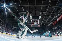 KELOWNA, CANADA - FEBRUARY 2:  Carter Hart #70 of the Everett Silvertips scuffs the crease at the start of the game against the Kelowna Rockets on FEBRUARY 2, 2018 at Prospera Place in Kelowna, British Columbia, Canada.  (Photo by Marissa Baecker/Shoot the Breeze)  *** Local Caption ***