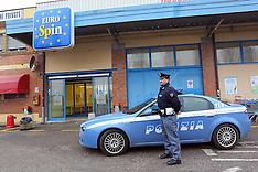 20130121 PATTUGLIA POLIZIA DAVANTI EUROSPIN VIA PADOVA