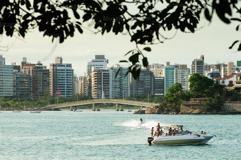 Brasil - Espirito Santo - Vitoria - Vista para Ponte da Ilha do Frade com Praia do Canto ao fundo - Foto: Tadeu Bianconi/ Mosaico Imagem