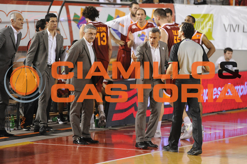 DESCRIZIONE : Roma Lega A 2011-12 Acea Virtus Roma Pepsi Caserta<br /> GIOCATORE : Lino Lardo<br /> CATEGORIA : coach team referee arbitro<br /> SQUADRA : Acea Virtus Roma<br /> EVENTO : Campionato Lega A 2011-2012<br /> GARA : Acea Virtus Roma Pepsi Caserta<br /> DATA : 03/12/2011<br /> SPORT : Pallacanestro<br /> AUTORE : Agenzia Ciamillo-Castoria/GiulioCiamillo<br /> Galleria : Lega Basket A 2011-2012<br /> Fotonotizia : Roma Lega A 2011-12 Acea Virtus Roma Pepsi Caserta<br /> Predefinita :