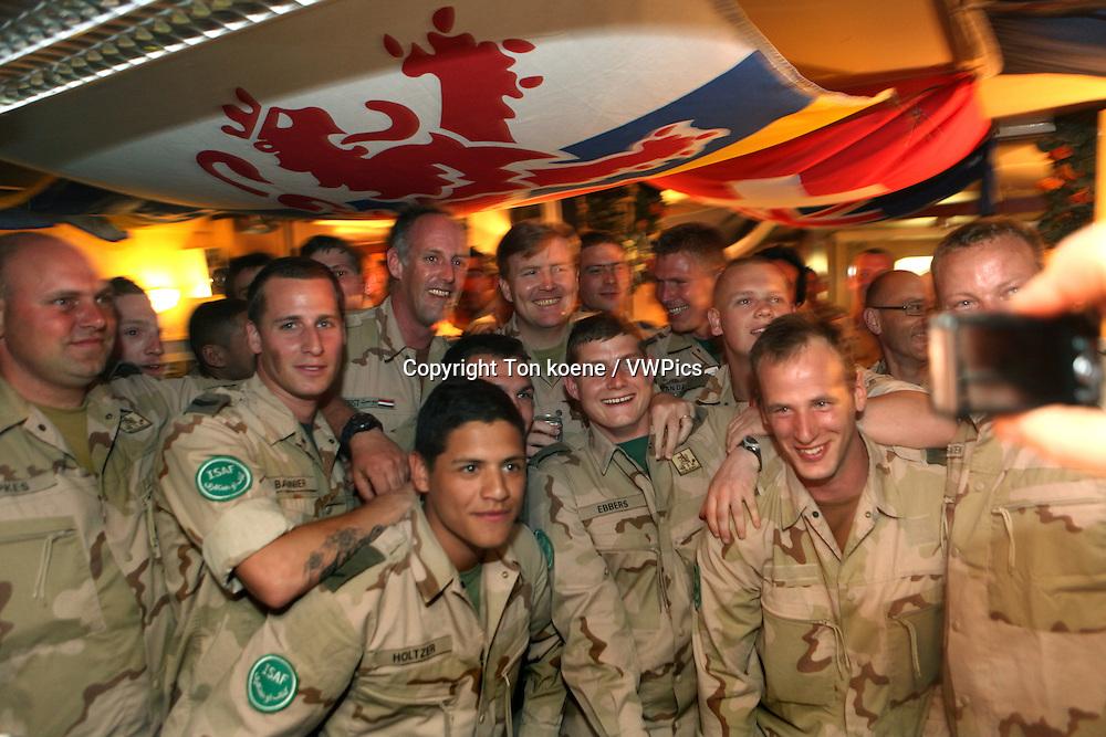 Dutch prince Willem Alexander van oranje visits the dutch troops in Uruzgan in march 2010