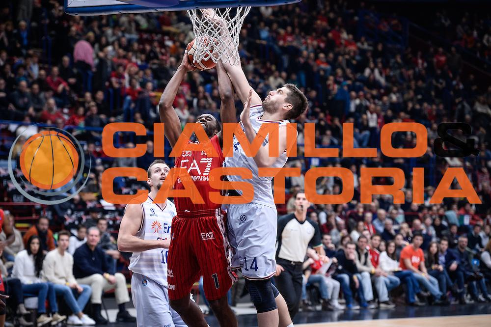 DESCRIZIONE : Milano Lega A 2015-16 <br /> GIOCATORE : Jamal McLean<br /> CATEGORIA : Tiro<br /> SQUADRA : Olimpia EA7 Emporio Armani Milanon<br /> EVENTO : Campionato Lega A 2015-2016<br /> GARA : Olimpia EA7 Emporio Armani Milano Enel Brindisi<br /> DATA : 20/12/2015<br /> SPORT : Pallacanestro<br /> AUTORE : Agenzia Ciamillo-Castoria/M.Ozbot<br /> Galleria : Lega Basket A 2015-2016 <br /> Fotonotizia: Milano Lega A 2015-16