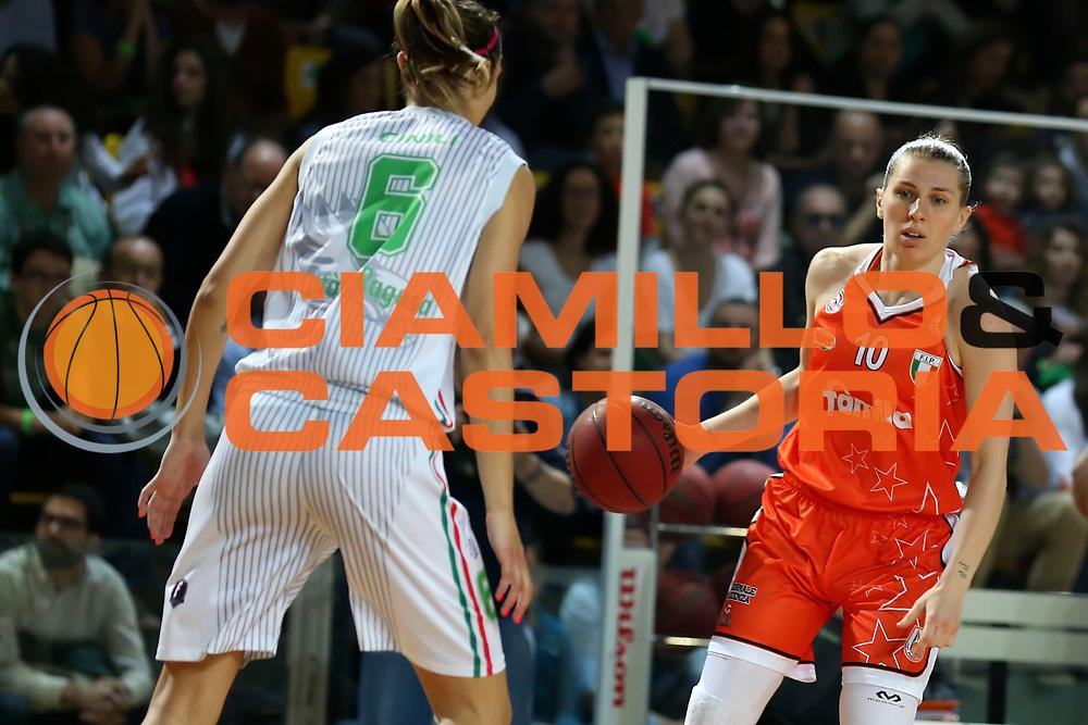 DESCRIZIONE : Ragusa Lega Basket Femminile A1 2014-15 Finale scudetto gara 4 Passalacqua Ragusa Famila Wuber Schio<br /> GIOCATORE : Nancy Jolene  Anderson <br /> SQUADRA : Famila Wuber Schio<br /> EVENTO : Lega Basket Femminile Finale scudetto gara 4<br /> GARA : Passalacqua Ragusa Famila Wuber Schio<br /> DATA : 01/05/2015<br /> CATEGORIA : <br /> SPORT : Pallacanestro <br /> AUTORE : Agenzia Ciamillo-Castoria/ElioCastoria<br /> Galleria : Lega Basket Femminile 2014-2015 <br /> Fotonotizia : Ragusa Lega Basket Femminile A1 2014-15 Finale scudetto gara 4 Passalacqua Ragusa Famila Wuber Schio<br /> Predefinita :