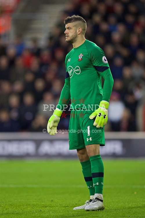SOUTHAMPTON, ENGLAND - Saturday, November 19, 2016: Southampton's goalkeeper Fraser Forster in action against Liverpool during the FA Premier League match at St. Mary's Stadium. (Pic by David Rawcliffe/Propaganda)