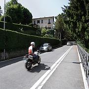 La strada principale che conduce a Montevecchia..The main street of Montevecchia