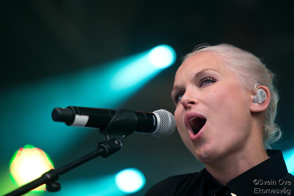 Jugendfest 2012. Eva & The Heartmaker spiller på Jugendfest i Ålesund torsdag kveld.<br /> Foto: Svein Ove Ekornesvåg