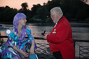PERDITA ROBBINS; ALAN MYATT; TOWN CRIER,  CHARLES FINCH'S CHUCS SWIMATHON 2013, SERPENTINE, Hyde Park, London. 4 July 2013.