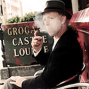 Stuart Dunne smoking outside Grogan's in Dublin