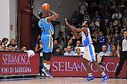 DESCRIZIONE : Beko Legabasket Serie A 2015- 2016 Dinamo Banco di Sardegna Sassari -Vanoli Cremona<br /> GIOCATORE : Elston Turner<br /> CATEGORIA : Tiro Tre Punti Three Point Controcampo<br /> SQUADRA : Vanoli Cremona<br /> EVENTO : Beko Legabasket Serie A 2015-2016<br /> GARA : Dinamo Banco di Sardegna Sassari - Vanoli Cremona<br /> DATA : 04/10/2015<br /> SPORT : Pallacanestro <br /> AUTORE : Agenzia Ciamillo-Castoria/C.Atzori
