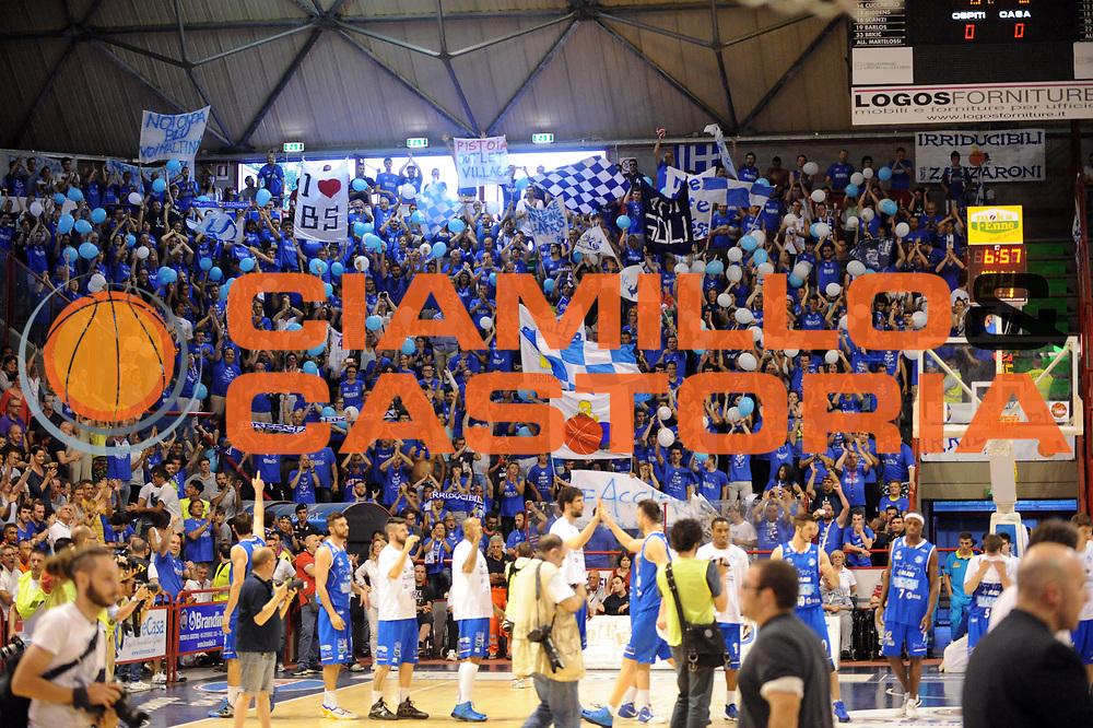 DESCRIZIONE : Pistoia LegaDue 2012-13 Playoff Finale Gara5 Giorgio Tesi Group Pistoia Centrale del Latte Brescia<br /> GIOCATORE : Tifosi<br /> CATEGORIA : Tifosi<br /> SQUADRA : Centrale del Latte Brescia<br /> EVENTO : Campionato LegaDue  2012-2013<br /> GARA :  Giorgio Tesi Group Pistoia Centrale del Latte Brescia<br /> DATA : 22/06/2013<br /> SPORT : Pallacanestro<br /> AUTORE : Agenzia Ciamillo-Castoria/Max.Ceretti<br /> Galleria : LegaDue Basket 2012-2013<br /> Fotonotizia : Pistoia LegaDue 2012-13 Playoff Finale Gara5 Giorgio Tesi Group Pistoia Centrale del Latte Brescia<br /> Predefinita :